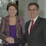 Ecuador: Préstamo del BEI para la primera línea de metro en Quito La Vicepresidenta del BEI, Magdalena Álvarez Arza y el Subsecretario de Financiamiento Público del Ministerio de Finanzas de la República de Ecuador, Willam Vásconez, han firmado hoy en Luxemburgo el correspondiente contrato de financiación.