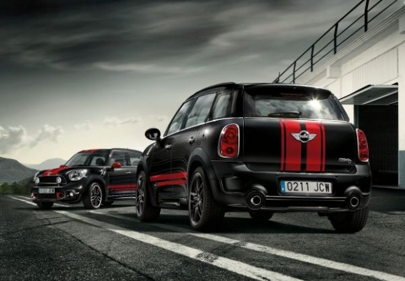 MINI Cooper S Countryman retrofitted with John Cooper Works parts (10/2012)