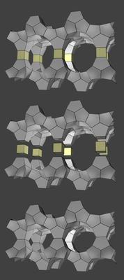 1.Het oorspronkelijk zeoliet kan voorgesteld worden als lagen (grijs) verbonden door twee kubussen (geel).2.De kubussen worden systematisch uit het oorspronkelijk materiaal geknipt.3.De lagen worden niet aangetast en op alternatieve manieren aaneengeschakeld.