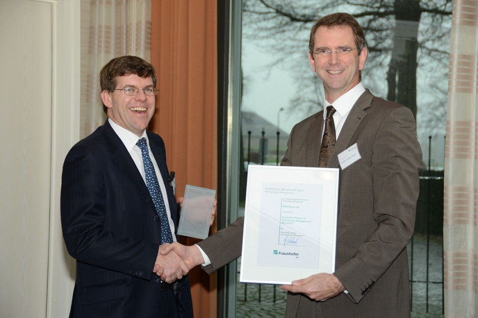 Alistair Coast-Smith, Technology Strategy Manager, receives the award on behalf of Rolls-Royce