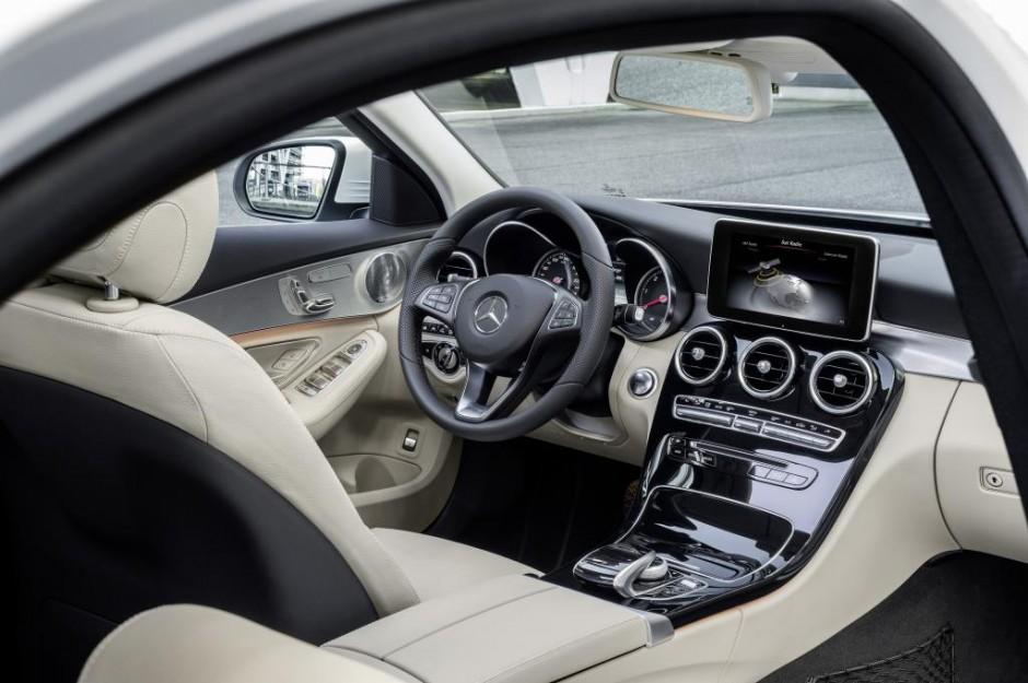Mercedes-Benz new C-Class, C 250 BlueTEC, Avantgarde, interior