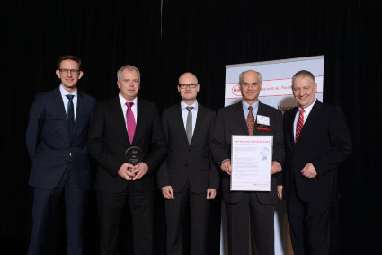 "Evonik Industries recognized for ""Best Innovation Contributor Laundry & Home Care 2013"" From left to right: Michael Dreja, Stefan Silber, Arndt Scheidgen, David Del Guercio, Thomas Müller-Kirschbaum 