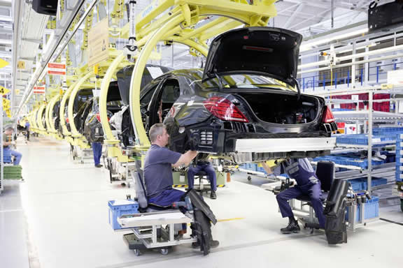 Mercedes-Benz Sindelfingen plant: production of the new S-Class