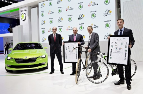 The agreement has been signed today in Geneva (from left): Jean-Etienne Amaury, President of Amaury Sport Organisation, Dr. Winfried Vahland, ŠKODA CEO, Yann Le Moenner, Amaury Sport Organisation CEO, and Werner Eichhorn, ŠKODA Board member for Sales and Marketing.