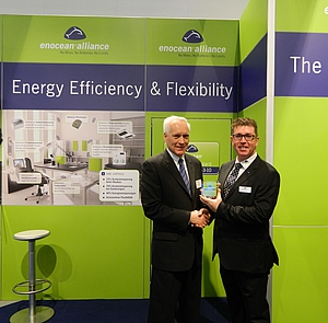 From left: George Thomas, President Contemporary Controls, and Graham Martin, Chairman of the EnOcean Alliance.