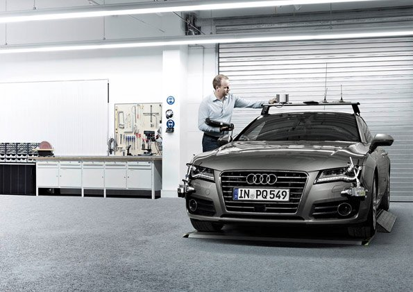Audi ranks at the top in the current studies from the trendence and UNIVERSUM consulting institutes. According to these rankings, the carmaker remains the favorite employer for most university students in Germany, especially among prospective engineers. The graduates can look forward to excellent job prospects: AUDI AG will strengthen its fields of innovation this year with around 2,000 experts.