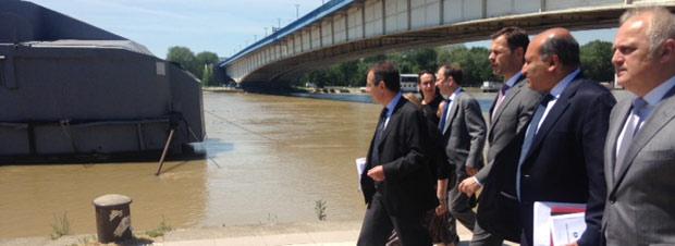 Sir Suma Chakrabarti sees the flood damage for himself with the Mayor of Belgrade, Siniša Mali