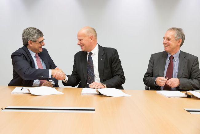 In the picture from left to right: Martin Bachmann (Wintershall), Arne Sigve Nylund (Statoil), Bernd Schrimpf, (Wintershall Norge)