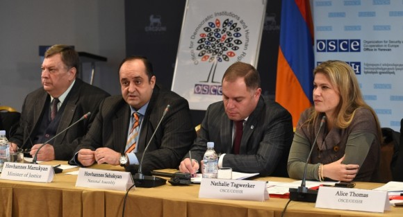 Ambassador Andrey Sorokin (l), Head of the OSCE Office in Yerevan, Hovhannes Manukyan (c-l), Armenian Minister of Justice, Hovhannes Sahakyan (c-r), Chairman of the Standing Committee on State and Legal Affairs of the Armenian National Assembly, Nathalie Tagwerker (r), Deputy Head of the Democratization Department of the OSCE/ODIHR presenting the assessment report on legislative procedure in Yerevan, Armenia, 30 October 2014 (Photolure)