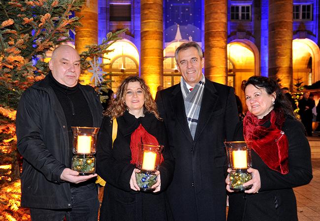 from left to right: Michael Kurz (Gf Soziale Hilfe e.V.), Mechthild Meyer-Kluge (Sachgebietsleiterin i-Punkt / Diakonisches Werk), Dr. Rainer Seele (Vorstandsvorsitzender Wintershall Holding GmbH), Angelika Hantscher (Referentin AWO Nordhessen)