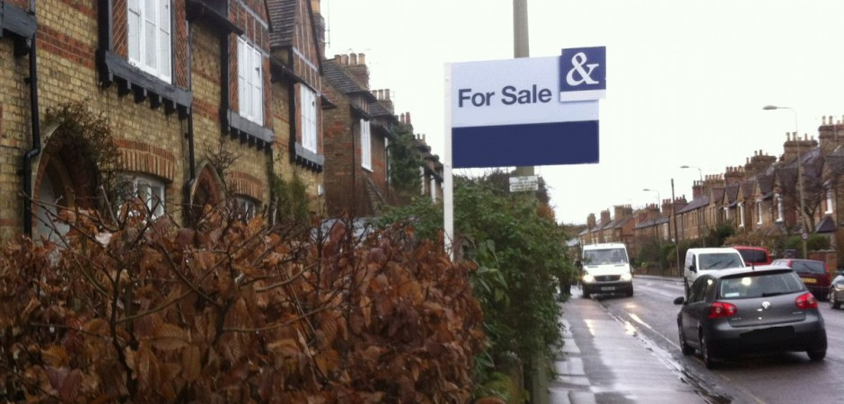 Oxford University Professor Danny Dorling findings reveal house prices in Oxford during 2014 even out-paced London once the average income is also taken into account