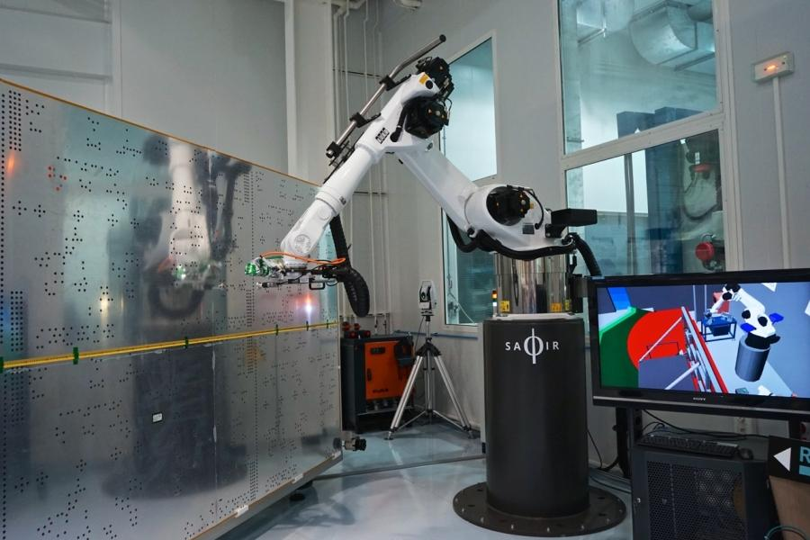 Saphir robotics project to be deployed in Thales Alenia Space's clean rooms starting in the second half of 2015
