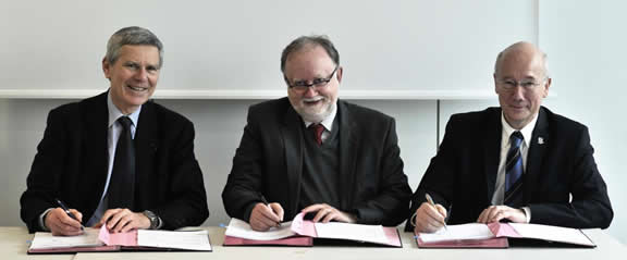 Left to right: Jacques Biot, President of École Polytechnique, Marko Erman, Chief Technology Officer at Thales and Denis Levaillant, head of Thales's laser activities.