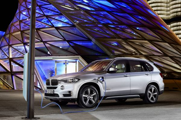 BMW to present at the 16th Auto Shanghai in China from 22 - 29 April 2015
