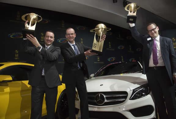 """Mercedes-Benz wins three categories in the prestigious """"World Car Awards 2015"""". Christoph Horn, Head of Global Communication Passenger Cars Mercedes-Benz and Rob Moran, Director Mercedes-Benz USA Communications, received the awards on behalf of the brand with the three pointed star at a ceremony held on the occasion of the New York International Auto Show. v.l. to r. Rob Moran, Christoph Horn, Christian Bokich"""