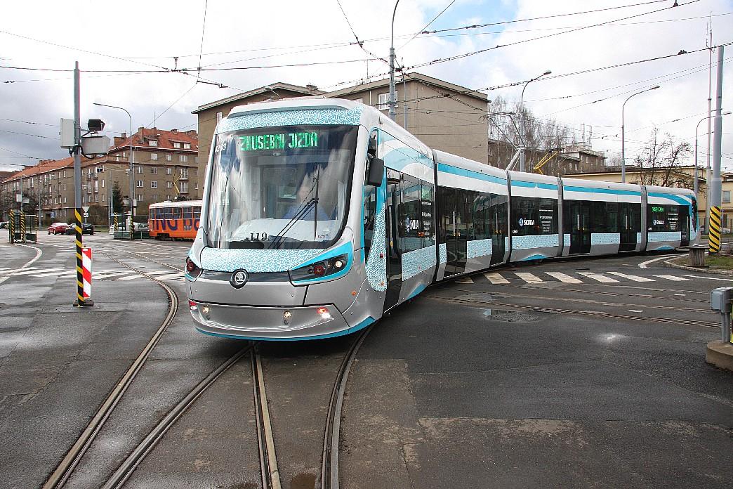 Škoda Transportation successfully tested the first Czech battery-powered tram in Pilsen