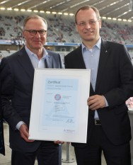 FC Bayern Munich becomes the first professional sports club in Germany to meet the requirements of the new TÜV Rheinland standard for Service Quality in Sport