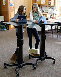 An example of the Ergotron LearnFit™ Adjustable Standing Desk used in the Melbourne study. Image: ©2015 Ergotron, Inc.