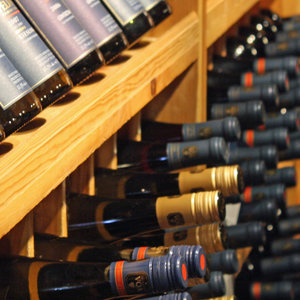 UCL researchers developed novel artificial intelligence to predict price fluctuation of fine wines