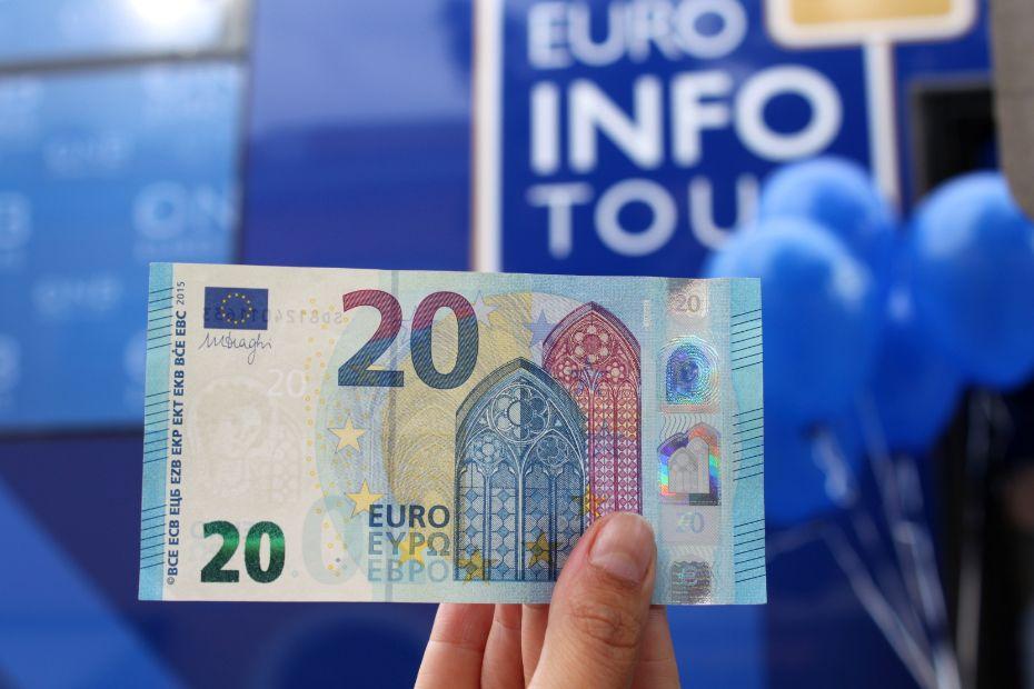 © OeNB Die neue 20-Euro-Banknote aus der zweiten Euro-Serie ist ab 25. November 2015 im Umlauf.