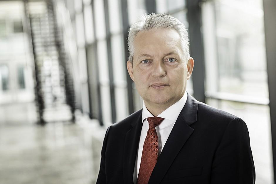 Prof. Verl, Executive VP Technology Marketing and Business Models for Fraunhofer-Gesellschaft e.V. steps down