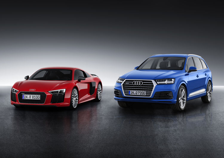 AUTO ZEITUNG: Winner of the Auto Trophy 2015: Audi R8 and Audi Q7