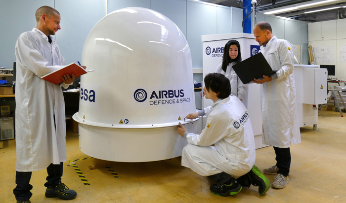 Airbus Defence and Space delivered the first ACES Ground Terminal to German National Metrology Institute