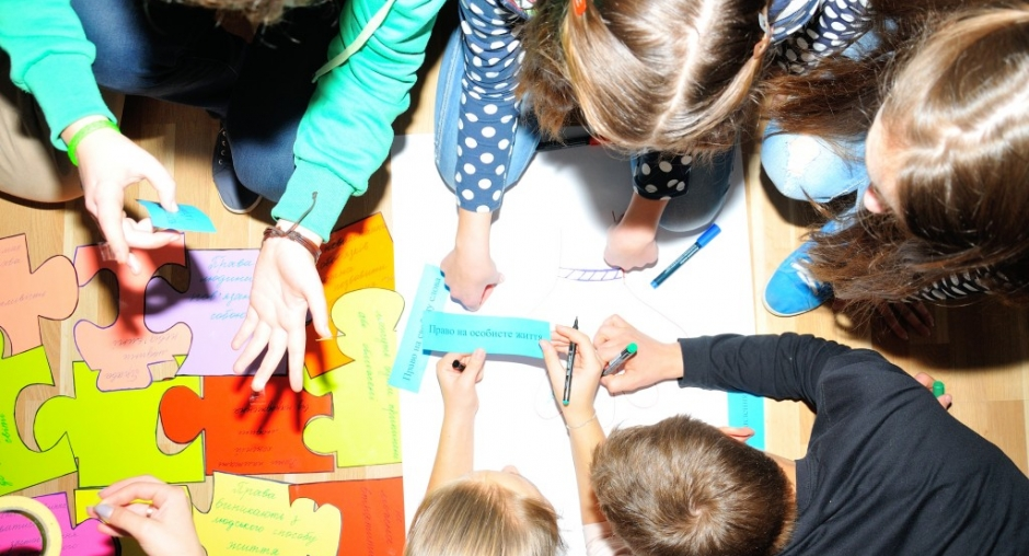 Children participating in a human rights training course, Odesa, 19 November 2015. (OSCE)