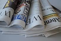 Die Auflage der Printmedien sinkt, weil immer mehr Menschen digitale Medien nutzen. Bild: UHH/Sukhina