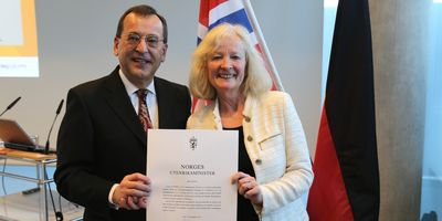 VNG - Verbundnetz Gas AG Chairman of the Executive Board Dr. Karsten Heuchert appointed honorary consul-general of Norway