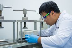 Technical service engineers test products and formulations for the Southeast Asian market. Spanning an area of more than 1,500 square meters, WACKER's regional competence center now houses under a single roof both customer development, applications technology, and a training facility for silicones and polymers applications.
