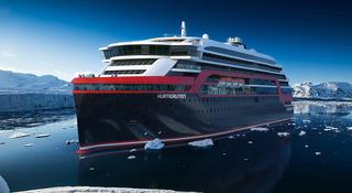 Hurtigruten og skipsbyggingskonsernet Kleven signerer intensjonsavtale om bygging av inntil fire topp moderne ekspedisjonsskip