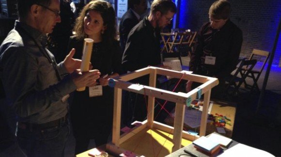 University of Twente student Julieta Matos Castaño developed dilemma cube to be used in large public-private projects