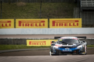 Double top ten finish for McLaren at Rockingham