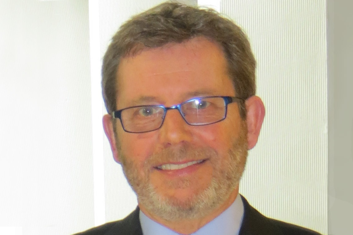 Dr Lew Watts