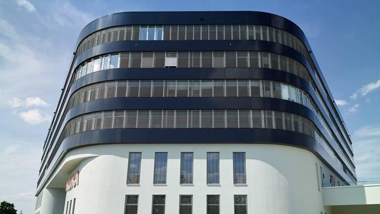 Außenansicht des KUKA Entwicklungs- und Technologiezentrum.