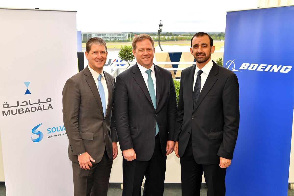 (Left) Roger Kearns, member of the Executive Commitee, Solvay (Middle) Kent Fisher, Vice President and General Manager Supplier Management, Boeing Commercial Airplanes (Right) Homaid Al Shimmari, CEO of Aerospace and Engineering Services at Mubadala