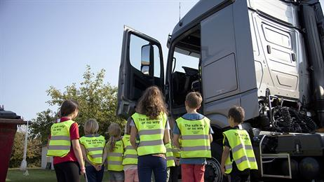 DONG Energy, Danish Transport & Logistics Association, East Jutland Road Hauliers' Association launch road safety campaign aimed at young road users