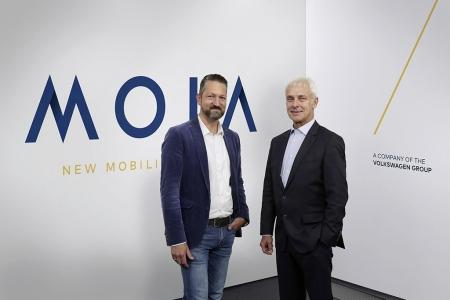 Matthias Müller, CEO of the Volkswagen Group (right) and Ole Harms, CEO of MOIA (left) to launch MOIA - the Volkswagen Group's new company.