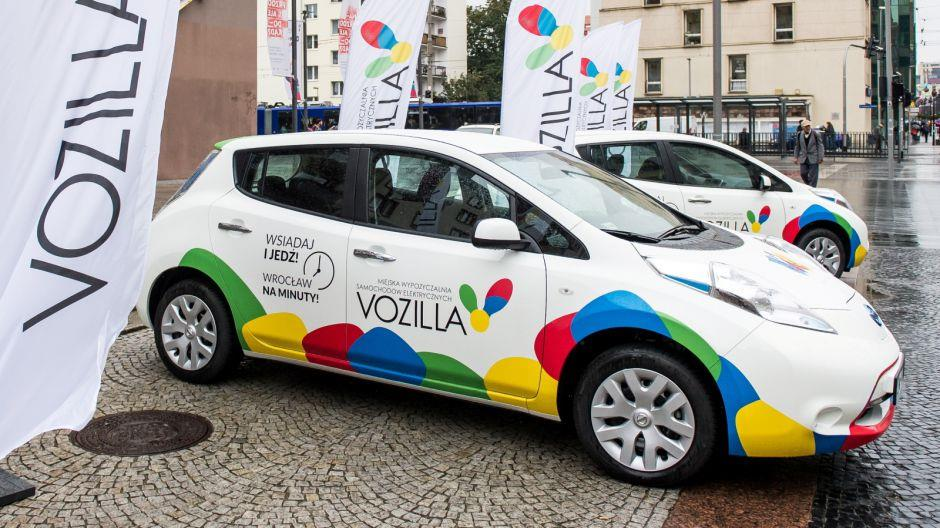 Leaseplan Poland To Deliver 150 Nissan Leaf Electric