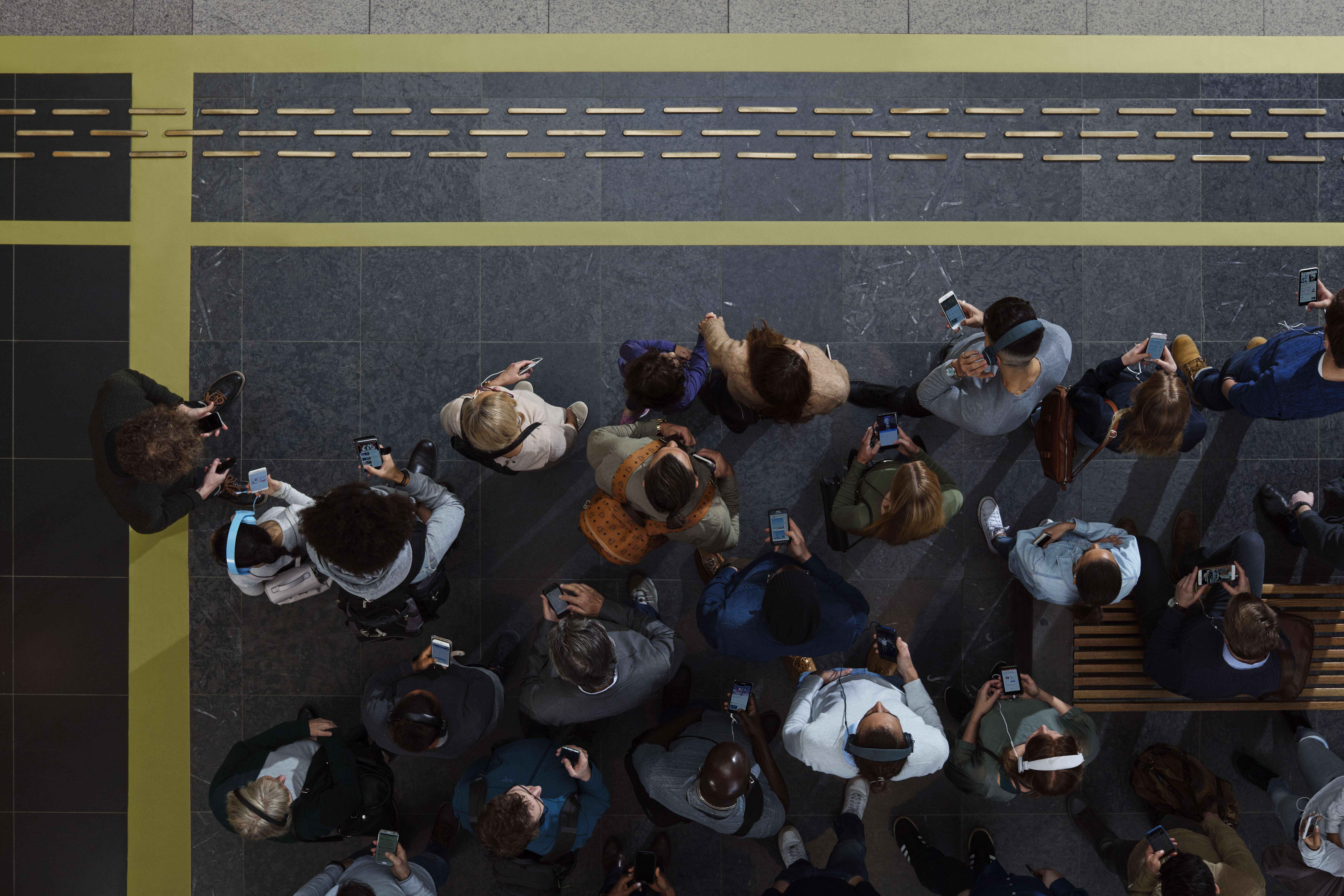 Ericsson Mobility Report highlights commercial rollouts of 5G and