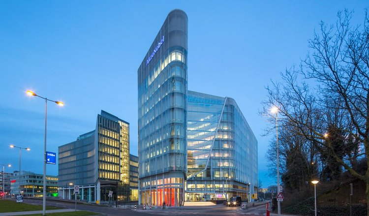 Akzo Nobel N.V. issues €750 million bond on Luxembourg Stock Exchange